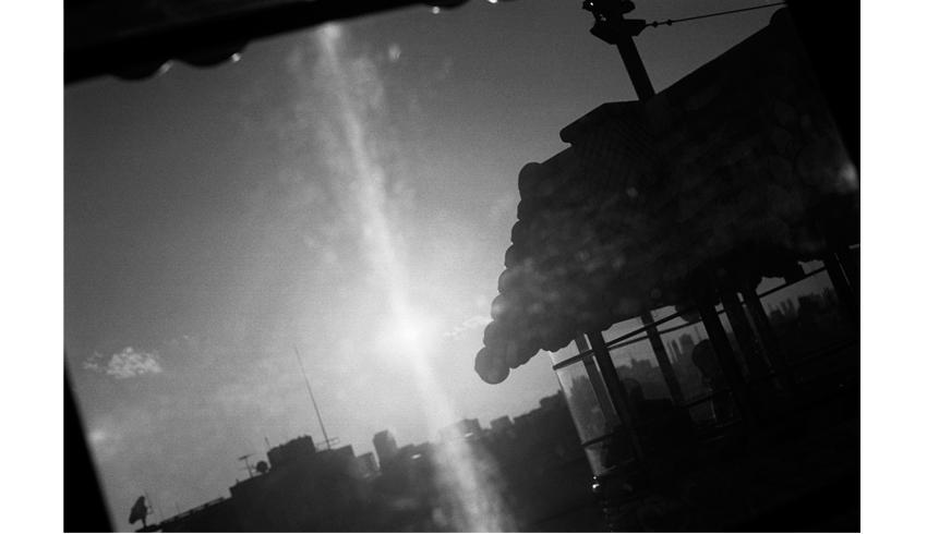 荒 多惠子 フォトシネマ 展「振らさがる日常」